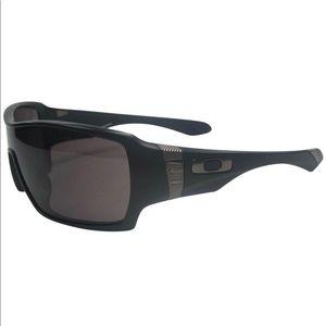 Authentic Men's Black Oakley Offshoot Sunglasses